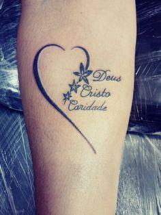 tattoos with kids names * tattoos for women tattoos for women small tattoos for guys tattoos for moms with kids tattoos for women meaningful tattoos with meaning tattoos for daughters tattoos with kids names Mommy Tattoos, Kid Tattoos For Moms, Tattoo For Son, Mother Tattoos, Sister Tattoos, Tattoo Platzierung, Wrist Tattoos, Body Art Tattoos, Small Tattoos