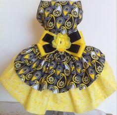 Arnés del perro negro amarillo visten por CoutureFashionHouse