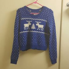 Abercrombie & Fitch fair Isle wool sweater small Size small. Has some pilling/fuzzies but overall great condition. 52% acrylic 20%nylon 8%alpaca wool. Abercrombie & Fitch Sweaters Crew & Scoop Necks