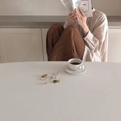 coffee café light beige white light aesthetic beige aesthetic minimalistic clothes kawaii ethereal beauty japanese aesthetic korean fashion style street style white aesthetic r o s i e Cream Aesthetic, Brown Aesthetic, Aesthetic Photo, Aesthetic Girl, Aesthetic Pictures, Aesthetic Space, Aesthetic Light, Aesthetic Coffee, Simple Aesthetic