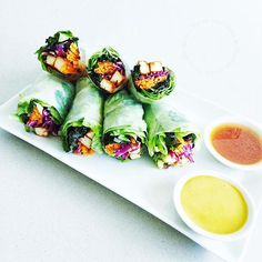 Rice paper rolls. With 2 sauces. 🐢🐨🌵🌵💚💚💚 Today's filling... Shredded red kale Oak leaf lettuce Carrots julienne  Shredded red cabbage GMO- free tofu pre- prepared marinated then baked sweet and sour strips. Fresh Coriander (cilantro) 🐢💚 Sauces... *Peanut sauce. I like to add Turmeric powder (1/2 - 1 tsp. ) for it's extra potent anti cancer and health booster properties. It is one of the most powerful superfoods around. N.B. Turmeric powder should always be consumed with a little…