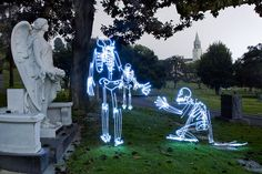 We've seen light graffiti before, but none as lively as these skeletons by Los Angeles-based Darius Twin (aka Darren Pearson). Twin began light painting Exposure Lights, Long Exposure, Light Painting Photography, Magazine Illustration, Modern Metropolis, Fantasy Weapons, Secret Life, Artist Painting, Art And Architecture