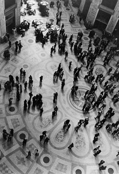 Herbert LIST :: Galleria Umberto I, a covered shopping arcade / Naples, Italy, 1960
