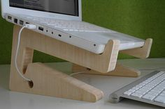 diy laptop stand with fine wood material