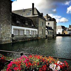 Pont LAbbé . . . #716lavie #travelwriter #instatravel #tourism #travelblogger #traveldeeper #travelling #trip #wanderlust #travelphoto #travelingram #aroundtheworld #traveler #tourist #wanderer #getaway #photodujour #picoftheday #adventurer #travel #bretagne #finistere #paysbigouden #latorche #pontlabbe