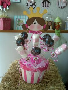 centro de mesa Topiary Centerpieces, Birthday Party Centerpieces, Birthday Decorations, Superhero Birthday Party, Birthday Parties, Sweet Trees, Candy Bouquet, Foam Crafts, Holidays And Events