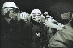 Radio Prague - 1989 Velvet Revolution Pray For World, Romanian Revolution, Berlin Wall, November 17, Czech Republic, Prague, Old Photos, Taylor Swift, All In One