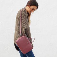 Buenos días os dejo con un poquito del look de hoy en el Blog www.unlbdparados.com  #fashionblogger #look #outfit #streetstyle #style #outfitoftheday #outfitideas4you #bag #inspo #like #followme by blog_lbd