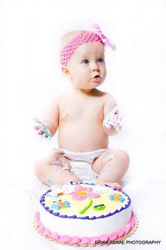 Amazing photographer. Gorgeous 1st birthday photos.