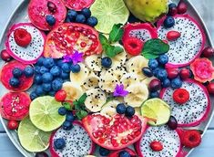 Antioxidant benefits include healthy* anti aging skin* heart health* and improved eye health. Try these Top 10 High Antioxidant Foods to get your daily dose Healthy Fruits, Healthy Dishes, Healthy Dinner Recipes, Healthy Snacks, Healthy Eating, Healthy Tips, Sin Gluten, Yogurt, Anti Oxidant Foods