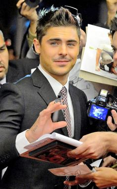 Zac Efron #MensFashion