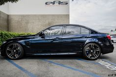Azurite Black Metallic - probably my favorite color. Black with blue metal flakes. Looks dark blue in sunlight; changes to black in the evening light. M2 Bmw, Bmw X6, Mercedes Amg Gt S, F80 M3, Bmw Concept, Bmw Wallpapers, Looks Dark, Bmw Classic Cars, Bmw 328i