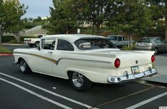 1957 Ford 2-Door Sedan - white Car Ford, Ford Trucks, Old American Cars, Ford Girl, 50s Cars, Ford Lincoln Mercury, Ford Shelby, Ford Classic Cars, Old Fords