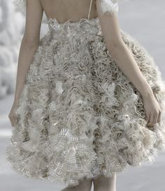 Alexander McQueen Haute Couture | lyricsandlongsleeves: A Little Fantasy Never Hurt Anybody