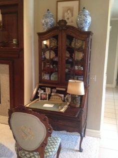 Home Decorators Laminate Flooring Traditional Decor, Traditional House, Antique Secretary Desks, Antique Desk, English Decor, French Furniture, Kids Furniture, Interior Decorating, Interior Design