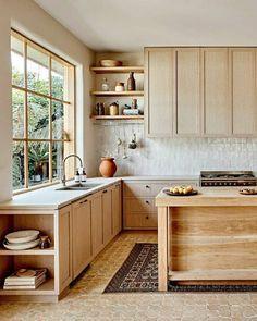 Kitchen Interior, New Kitchen, Kitchen Decor, Cocinas Kitchen, Scandinavian Kitchen, Küchen Design, Home Decor Furniture, Beautiful Kitchens, Home Decor Inspiration