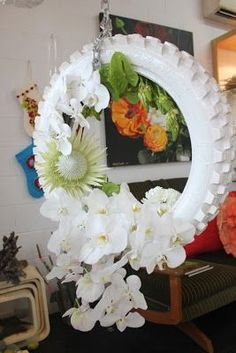 Dyi – recycled bike wheel & white orchids in 2020 Wreath Crafts, Diy Wreath, Diy Arts And Crafts, Diy Crafts, Bicycle Crafts, Tire Art, Memorial Flowers, Bike Wheel, White Orchids