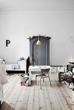 Vintage childrens room in a Danish home. Birgitta Wolfgang Drejer.