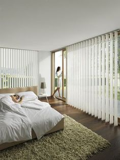 pinned by www. Clean Living Rooms, Living Room Modern, Shades For French Doors, Wooden Bedroom, Window Coverings, House Interior, Room, Room Decor, Curtains With Blinds