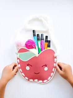 Super cute free printable Kawaii paper apple purse