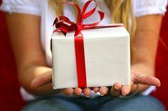 Чтобы поздравить самого родного и любимого человека необязательно покупать что-то дорогостоящее. Если вы тоже так считаете, вам будет интересно узнать: какой подарок можно сделать маме на день рождения своими руками. Такой презент уже заранее считается удачным, ведь на его создание были потрачены силы и время. К тому же он непременно ...