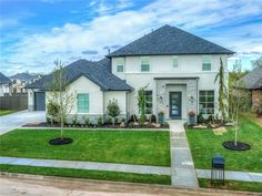 Luxury living in Oak Tree Neighborhood, Edmond! 6216 Wentworth Dr, Edmond OK 73025