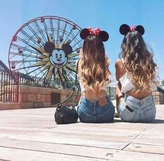 Don't you want to take the perfect picture at with your best friend as well? I cant wait to take this with my BFF in disneyland! Bff Pics, Photos Bff, Cute Bestfriend Pictures, Best Friend Pictures, Friend Photos, Best Friends Forever, Disney Best Friends, Crazy Friends, Fake Friends