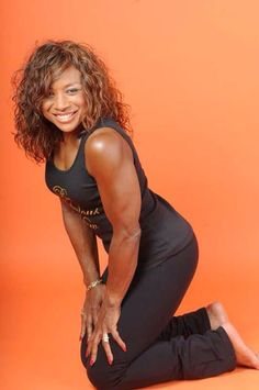 70 year old former bodybuilder- Linda wood hoyte- Fit Black Women, Beautiful Black Women, Fit Women, Older Women, Beautiful Gorgeous, Black Girls, Bodybuilder, 70 Year Old Women, Ageless Beauty