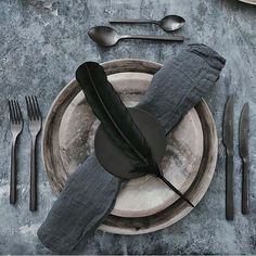 Dream table setting line up including our linen napery from @kinnowcutlery