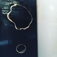 Alvar Aalto designed some golden jewelry for his second wife Elissa Aalto and female relatives in 1950s. These golden necklace and bracelet are one of the items in his collection.