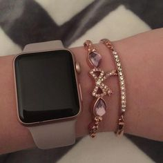 Arm of the day Apple Watch Iwatch- betsey johnson mens designer watches m Best Apple Watch, Apple Watch Series, Apple Watch Bands, Apple Watch Accessories, Iphone Accessories, Apple Watch Fashion, Accessoires Iphone, Accesorios Casual, Luxury Sunglasses