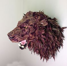 ~Kelly Rene Jelinek,Kumaş parçalarından vahşi doğaya. http://www.mozzarte.com/tasarim/kumas-parcalarindan-vahsi-dogaya-kelly-rene-jelinek/
