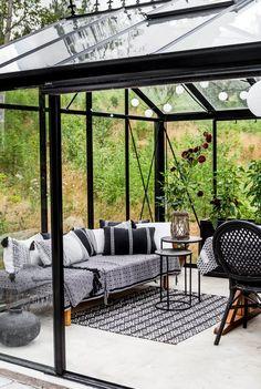 Outdoor Garden Rooms, Garden Beds, Outdoor Spaces, Outdoor Living, Outdoor Decor, House In Nature, Glass Room, Butterfly House, Backyard Garden Design