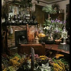 Witch Cottage, Witch House, Magical Home, Witch Aesthetic, Aesthetic Dark, Aesthetic Bedroom, Deco Design, Home Decor Inspiration, Furniture Inspiration