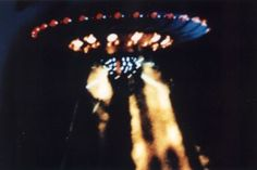 Incredible 1989 Nashville UFO Photographs Provided by Commander Graham Bethune of the US Navy - Alien UFO Sightings Aliens Movie, Aliens And Ufos, Ancient Aliens, Ancient History, Nashville, Ufo Stories, Tennessee, Unidentified Flying Object, Ancient Egyptian Art