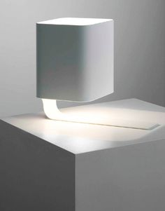 Keith Melbourne | I do_table light