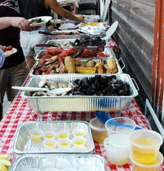 Clambake Delivery - Buffet - Backyard Family Reunion | B&M Catering - Outdoor Cooking Specialists | ww.clambakeco.com