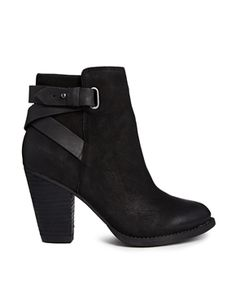 Enlarge ALDO Salazie Leather Heeled Ankle Boots