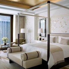 The Langham Chicago is the #1 luxury hotel in the U.S. in this year's #TravelersChoice awards! Have you been? #HotelGoals To discover the best hotels in the world this year clink on the link in our bio. Hotels-live.com via https://www.instagram.com/p/BB
