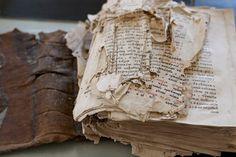 смятые листы книги - Поиск в Google