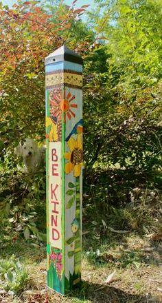 Garden Crafts, Garden Projects, Art Projects, Yard Art Crafts, Peace Pole, Garden Poles, Pole Art, Fence Art, Painted Sticks