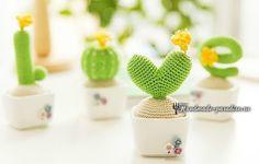 LOVE из вязаных крючком кактусов. Схемы вязания четырех разных кактусов, из которых можно составить декоративную композицию на окошке - любовную надпись.