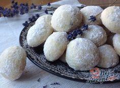 Fenomenální ,,kokosové oříšky,, bez pečení | NejRecept.cz Biscuits, Muffin, Dairy, Eggs, Cheesecake, Breakfast, Butter, Baking, Blog