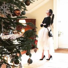 Feeling festive discussing my love of Christmas chic on the blog today.. While dancing my way to the weekend in my @bagattireland shoes ❤️PS.. Cannot begin to describe how all my ponytail dreams just came true with thanks to @petermarkhair who used the Steam Pod on my hair and basically changed my life  #BagattxHauteSoFabulous #walkinmyshoes