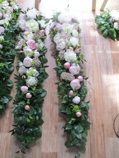 Altar Flowers, Church Flowers, Floral Centerpieces, Floral Arrangements, Wedding Veils, Flower Basket, Funeral, Floral Wedding, Wood Projects