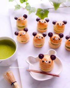 Matcha choux puffs by Little Miss Bento ( Creative Desserts, Cute Desserts, Japanese Dishes, Japanese Sweets, Chocolate Garnishes, Kawaii Dessert, Homemade Sweets, Bento Recipes, Cute Cookies