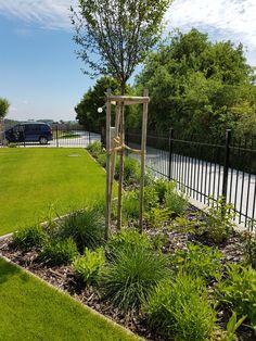 Rodinná záhrada Arch, Outdoor Structures, Garden, Longbow, Garten, Lawn And Garden, Gardens, Wedding Arches, Gardening