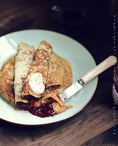 Gwyneth Paltrow's pancakes (with soy milk, seeds,,)
