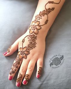 Most beautiful and easy mehndi designs See more ideas about Henna designs easy, Henna designs and Henna. How to Do Henna Design for B. Finger Henna Designs, Mehndi Designs 2018, Mehndi Designs For Beginners, Modern Mehndi Designs, Mehndi Design Pictures, Mehndi Designs For Fingers, Beautiful Mehndi Design, Bridal Mehndi Designs, Henna Tattoo Designs