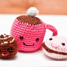 Enter to win these adorable amigurumi snacks to celebrate 1000 blog posts.